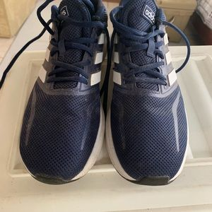 Men's Adisas running shoes